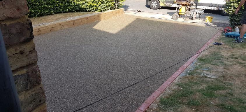 Oyster Pearl Resin Surfaces driveway