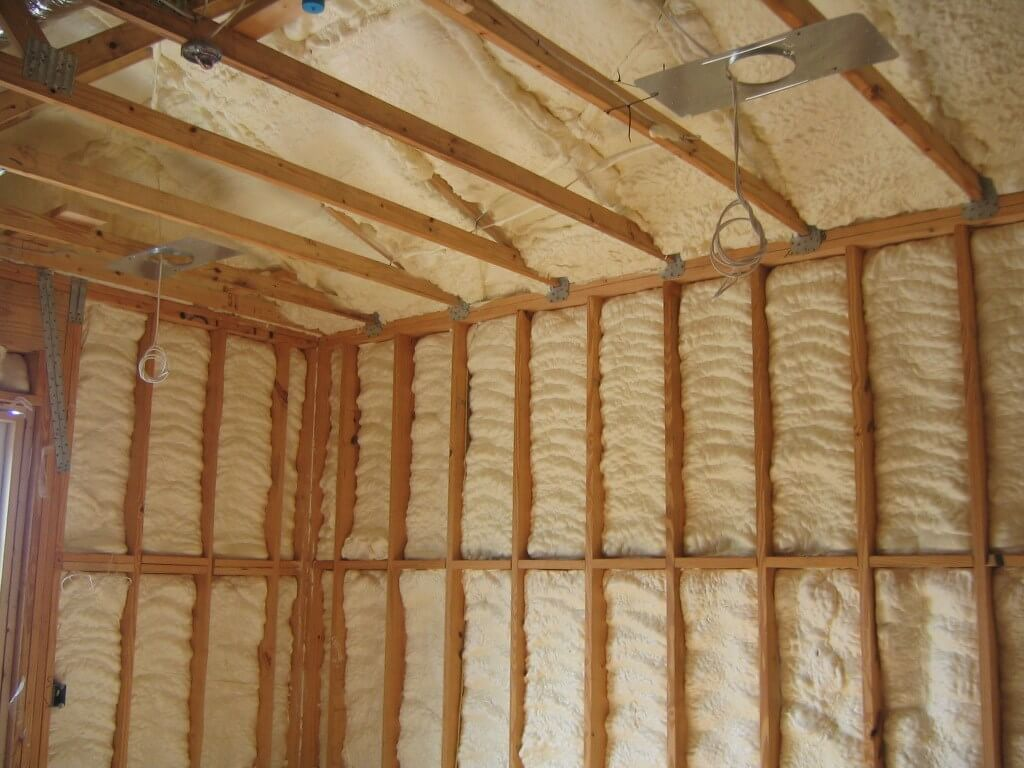 Eco friendly insulation home logic icynene uk for Eco friendly house insulation