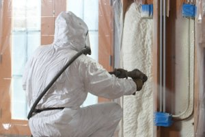 How long does it take for spray insulation to dry