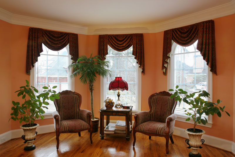 Licious Living Room Window Furnishings: How Much To Put In A Bay Window?