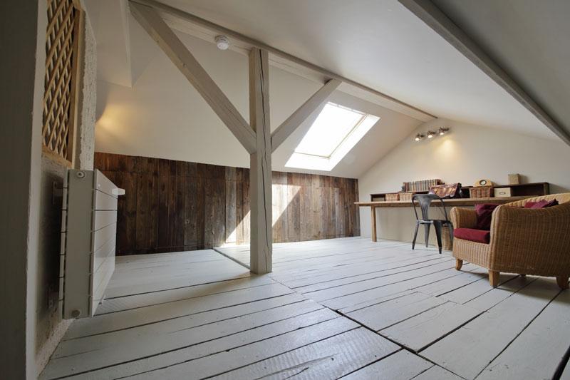 disadvantages of loft insulation home logic. Black Bedroom Furniture Sets. Home Design Ideas