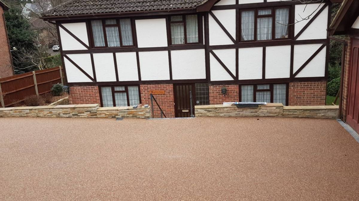 ideas for front of driveways