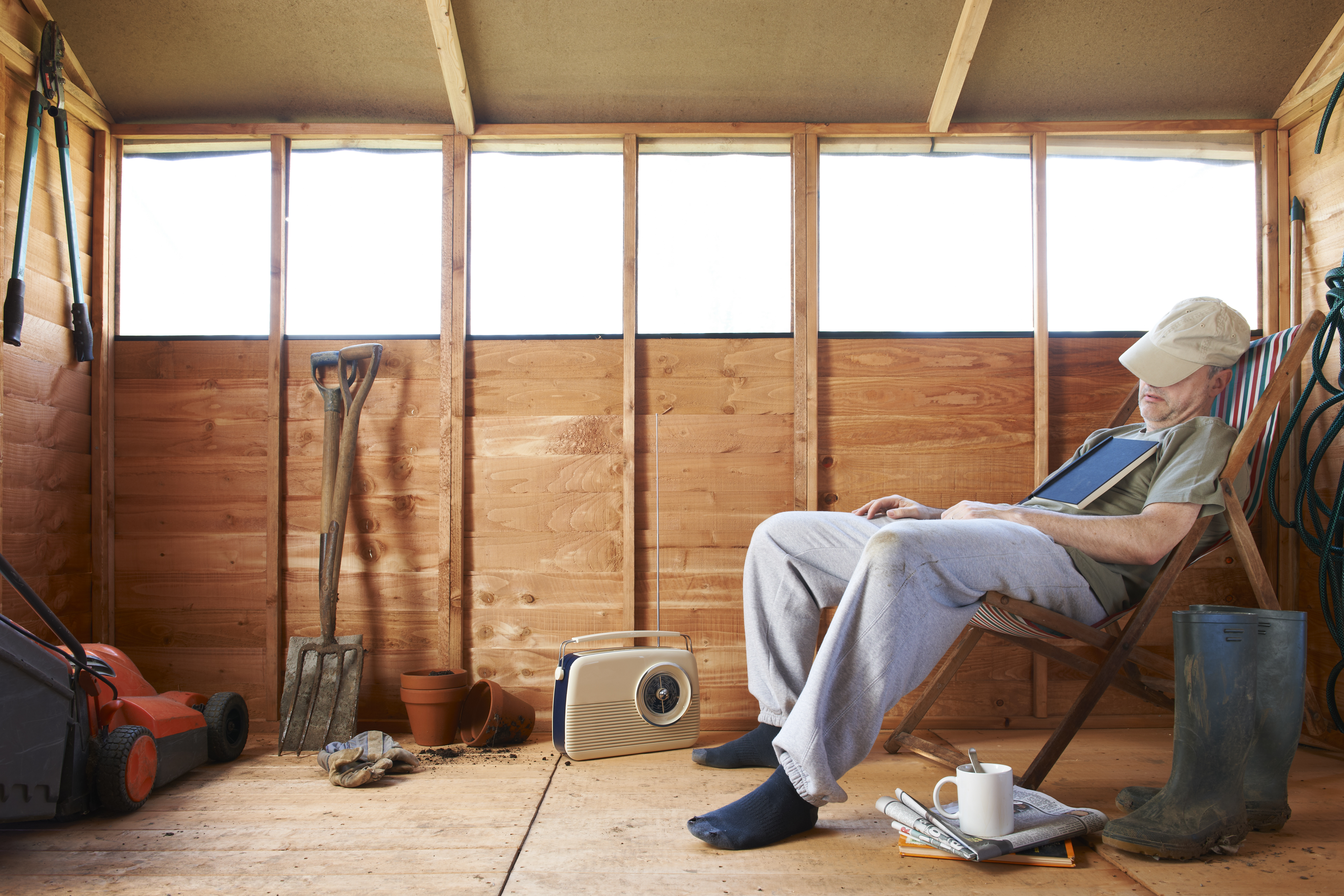 how to insulate a shed to live in step by step guide. Black Bedroom Furniture Sets. Home Design Ideas