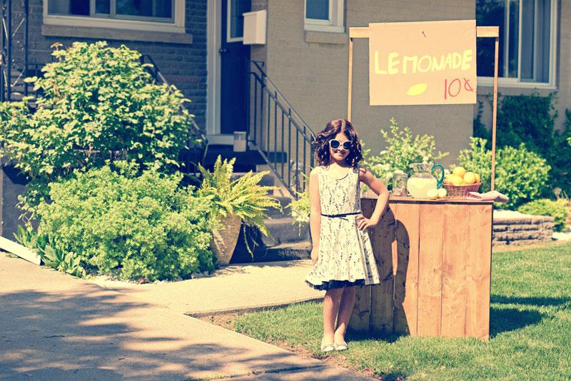 corner driveway landscaping ideas