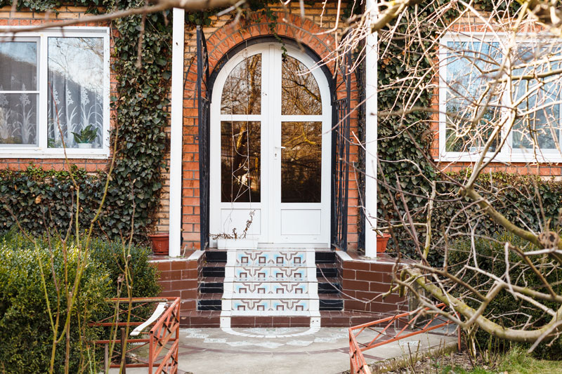 how to fit a upvc door